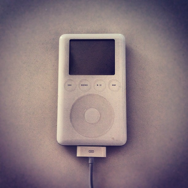 Sad Moment, my very first iPod esta muerto. 😥 thank you for the memories