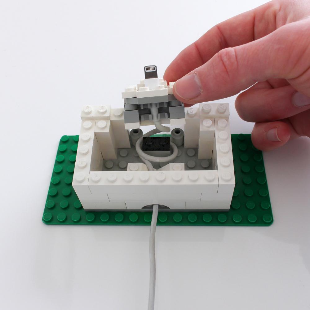 galletly-lego-iphone-dock-open.jpg