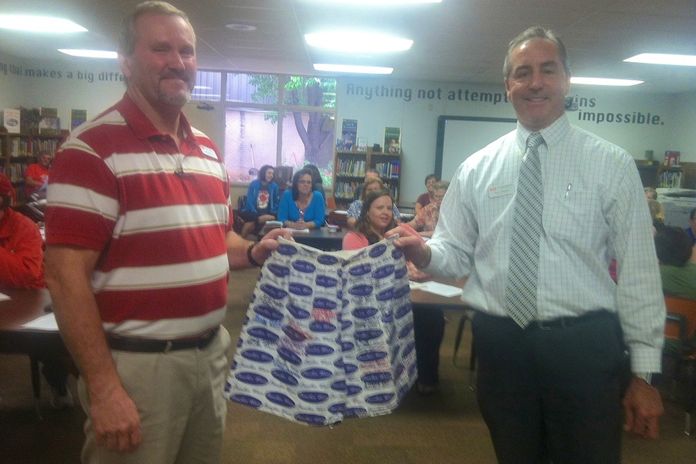 (L to R) SMS Principal Jeff Withrow and SISD Superintendent Terry Pittman