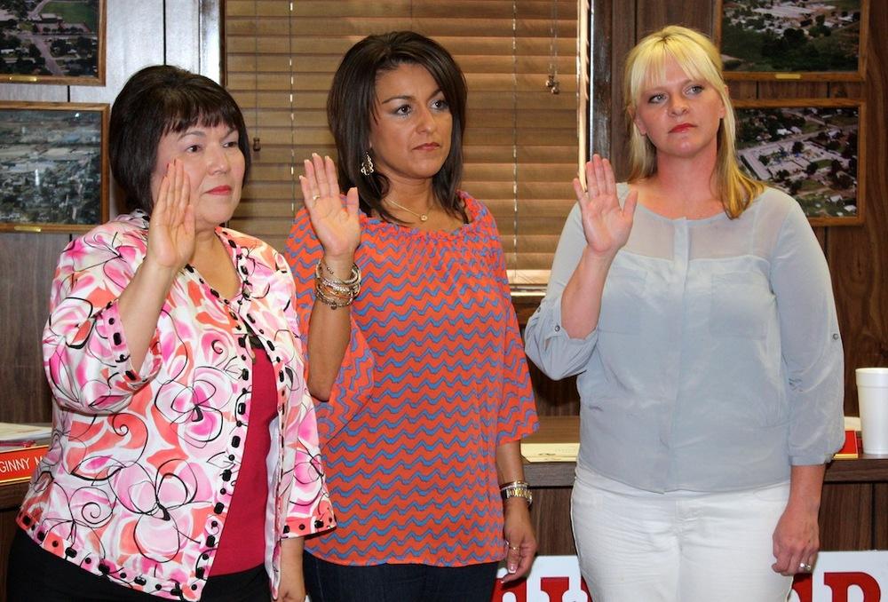 (L to R) Genevieve Mayes, Becky Jimenez, and Jenny Cherry