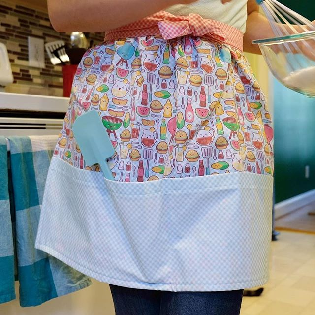 April and May have been busy busy busy for me, so I haven't had much time to design. But, I did make this super cute Kawaii Cookout apron for my best friend's bridal shower gift. I love it so much, I need to make one for myself!! You can buy this fabric collection in my Spoonflower shop (link in IG bio). ▫️ ▫️ ▫️ #kawaii #surfacepattern #surfacepatterndesign #patternobserver #kawaiicookout #cute #fabric #diy #apron #spoonflower #design #japan #japanese #cooking #baking