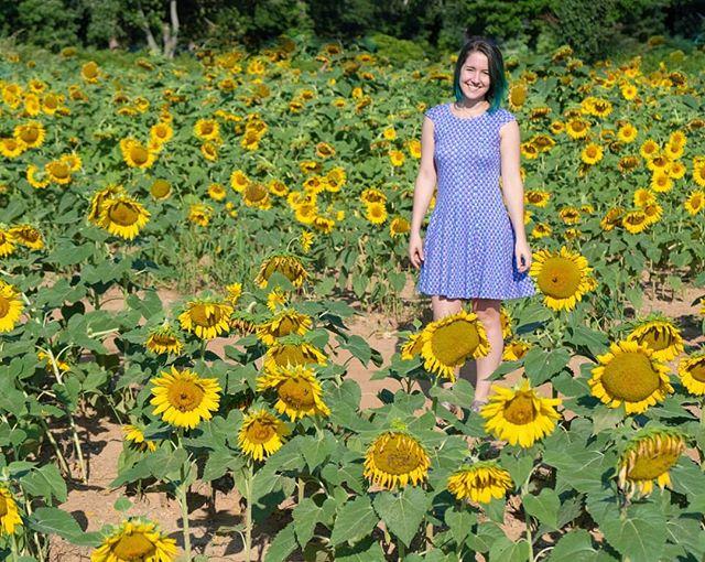 I finally got some nice shots of my Gabrielle dress by @seamworkmag! 🌻🌻🌻🌻🌻Thank you @kristenfranklinart for being my photographer! . . . #seamworkgabrielle #seamwork #gabrielledress #handmade #memade #sewing #dress #sunflowers #diy #handmadewardrobe