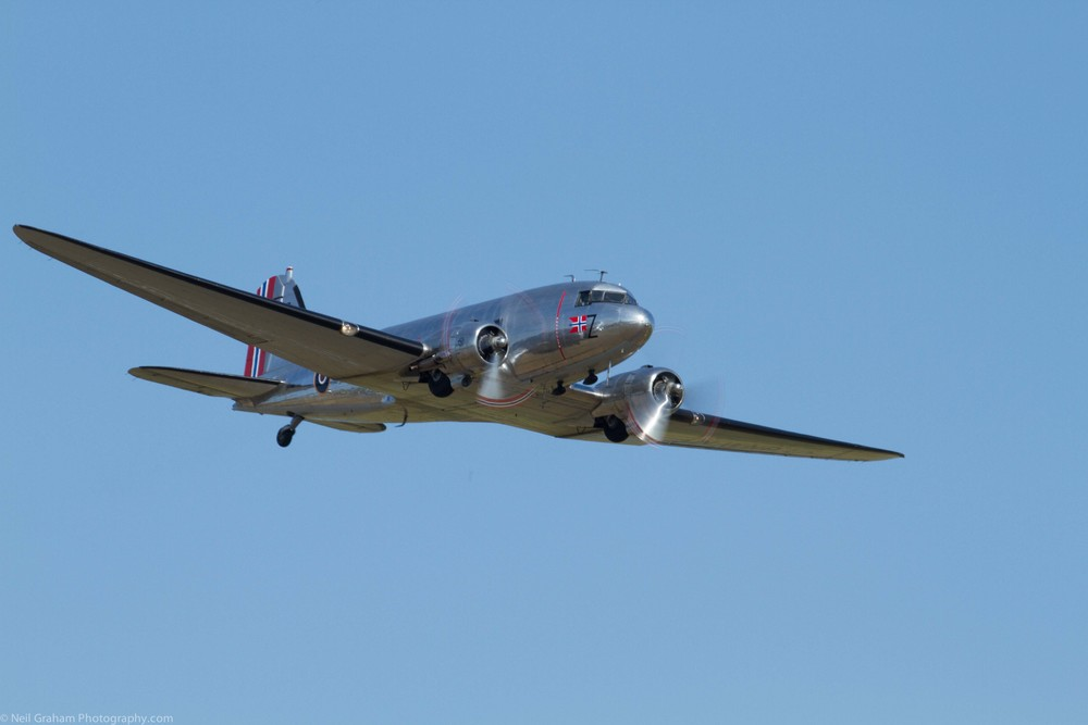 This is 50% Jpegs of the full CR2 un edited. Click on the photo to view more C-53 photographs.
