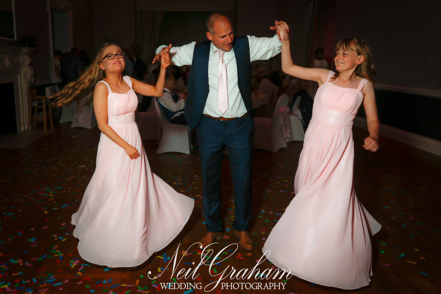 How rich is neil graham net worth height weight for Wedding photographer salary