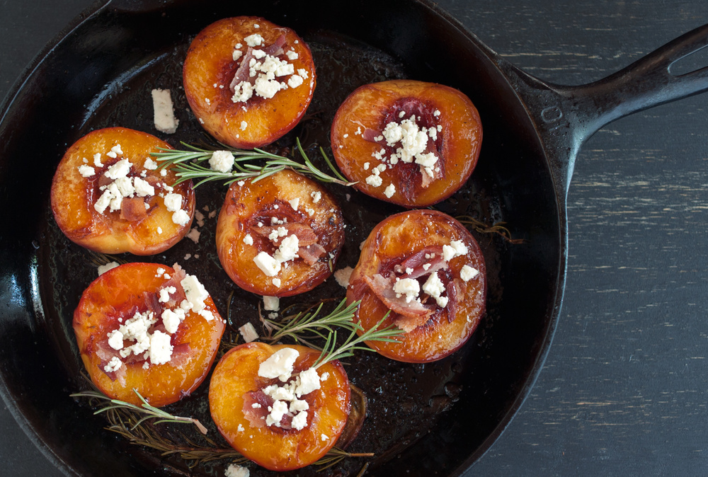 roasted_peaches_food_photography_2.jpg