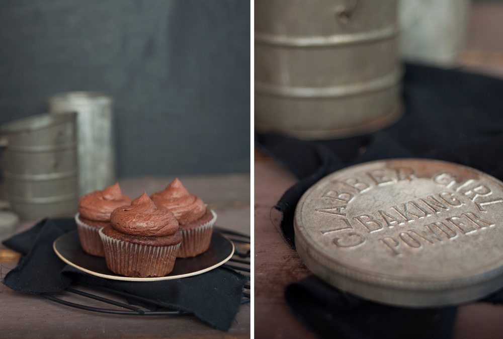 ChocolateCupcakes_food_photography_3.jpg