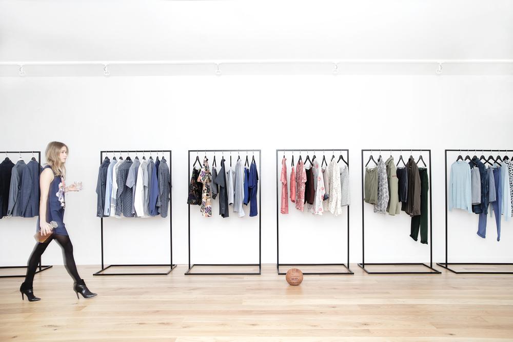 Closet Racks_T1P2504.jpg