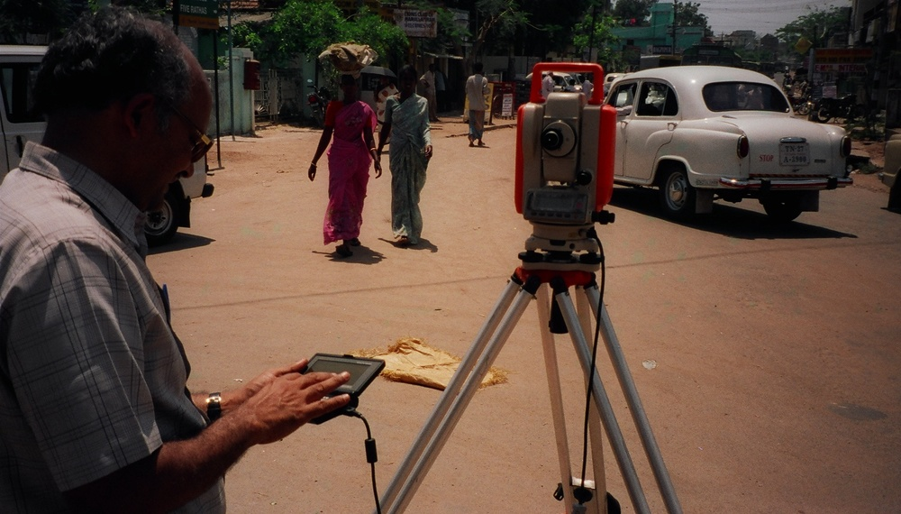 B Landmeten in India.JPG