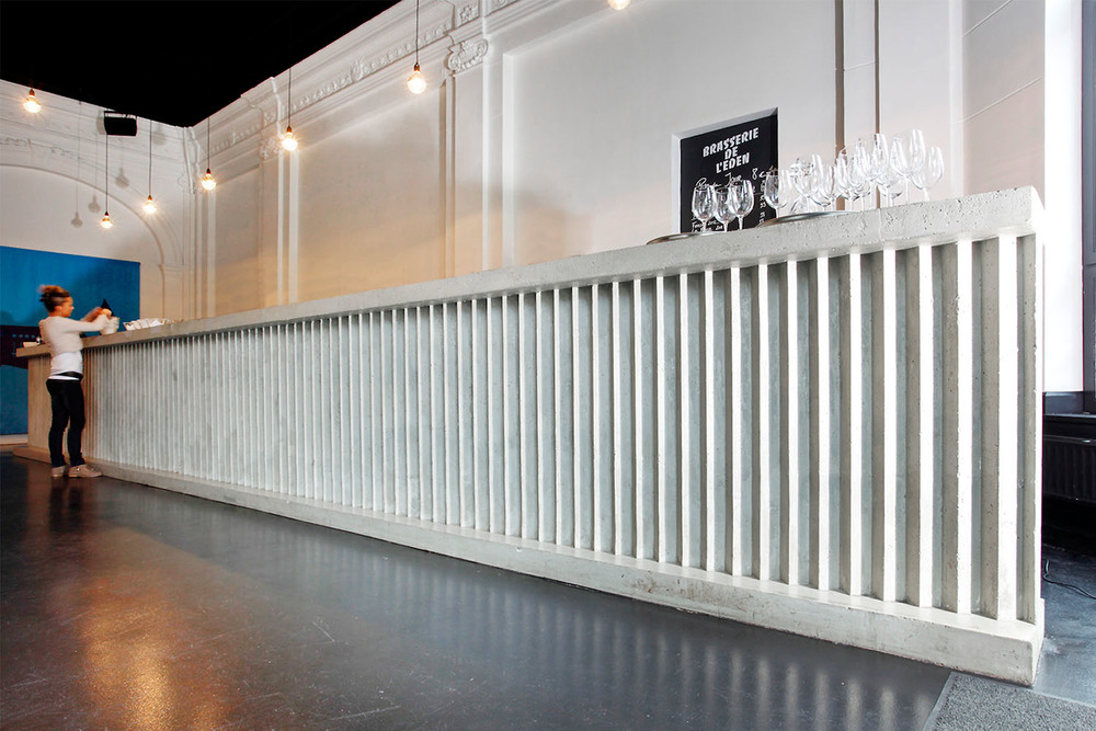 RESERVOIRA CHARLEROI BRASSERIE EDEN NOIR BLANC BETON CAFETARIA BAR CAFE IMAGE 04.jpg