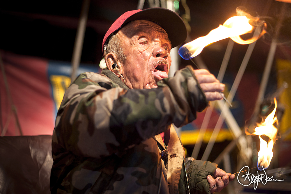 Pete the Fire eating Pygmy II.jpg