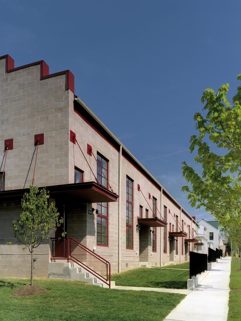 9AIA-HUD 32 factory loft building-feinknopf.jpg