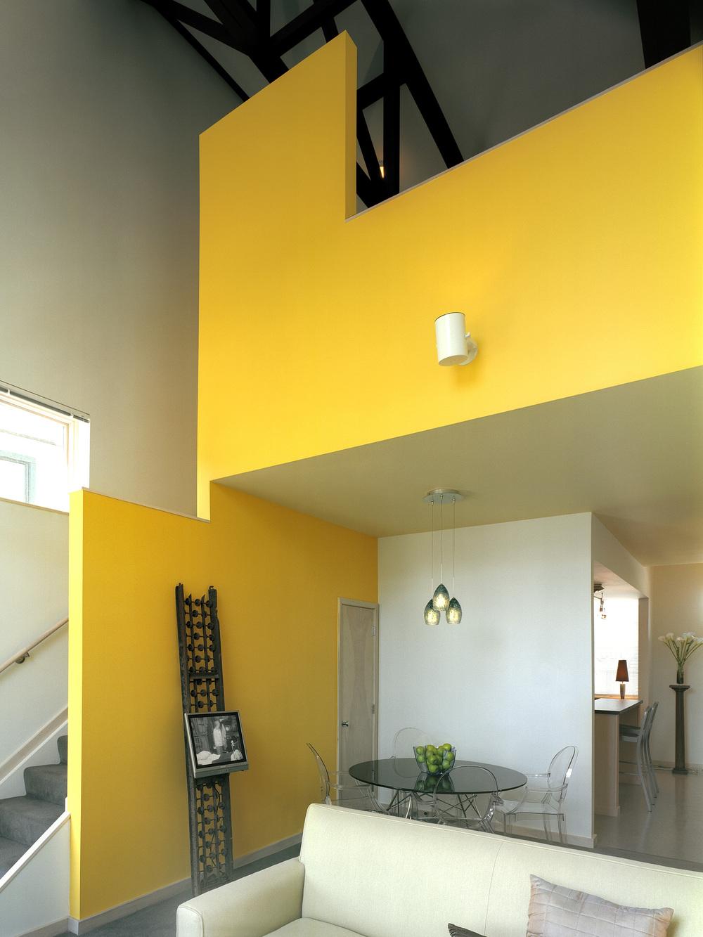 10AIA-HUD 32 interior of factory loft-feinknopf.jpg