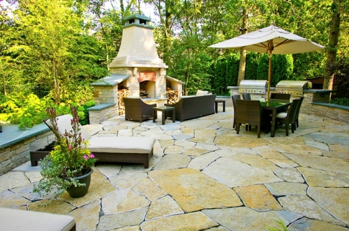 At Blackwell, We Have Years Of Experience In Flagstone Patio Installations  Suitable For The Canadian Climate. Contact Us If You Are Planning A Project.