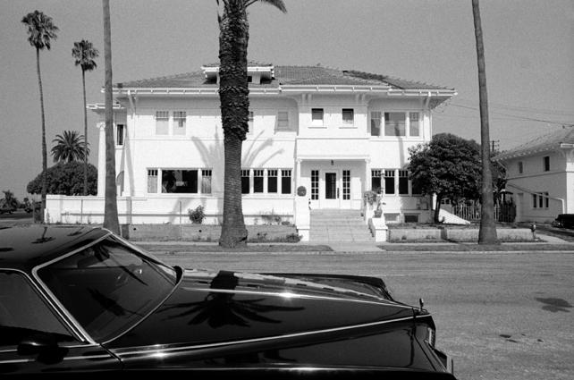 blackcar.jpg