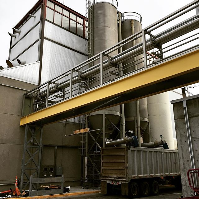 What do beer and biomass have to do with each other? A lot, if you ask us! Last week Andrew and Meagan were in Colorado looking at opportunities to combine woody biomass with spent grain from breweries to generate process heat. #alternativeenergy #wastetoenergy #biomassdoneright