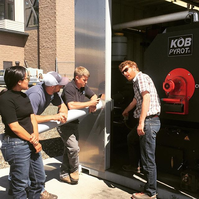 We visited Oregon pellet producers and pellet boilers with a fossil fuel distributor earlier this week to explore opportunities to address the gap in bulk wood fuel distribution. Reliable and convenient supply of #woodpellets represents one of the obstacles to expanding the market for small-scale #biomassenergy systems.