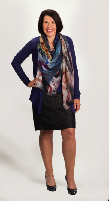 Jayne wearing her Beyond Measure Suzi Roher Scarf