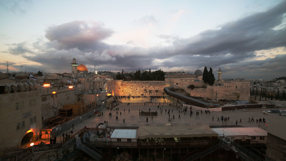 Kotel Night.jpg