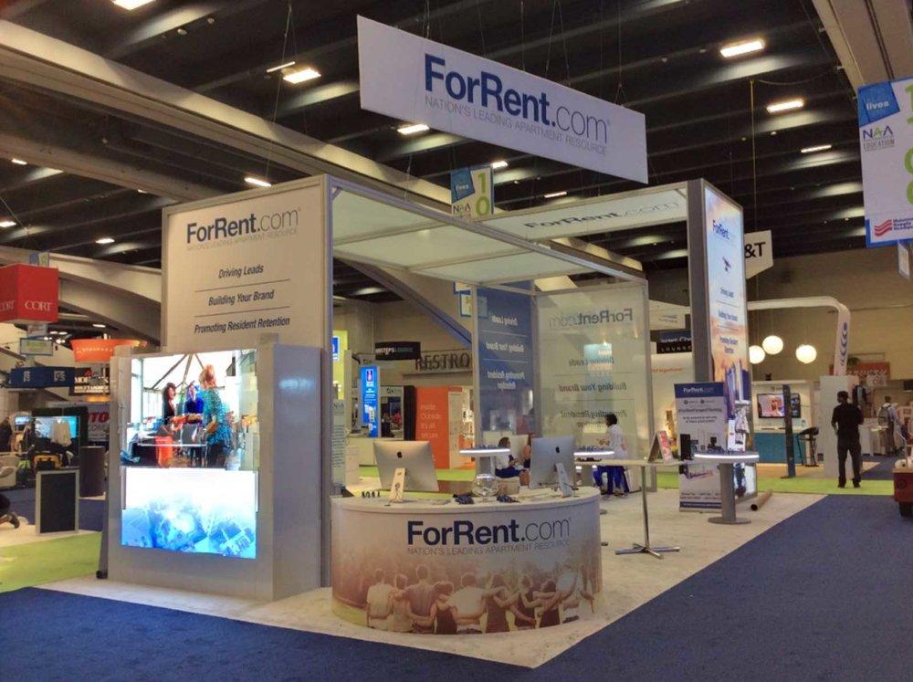 ForRent.com 30' x 30'