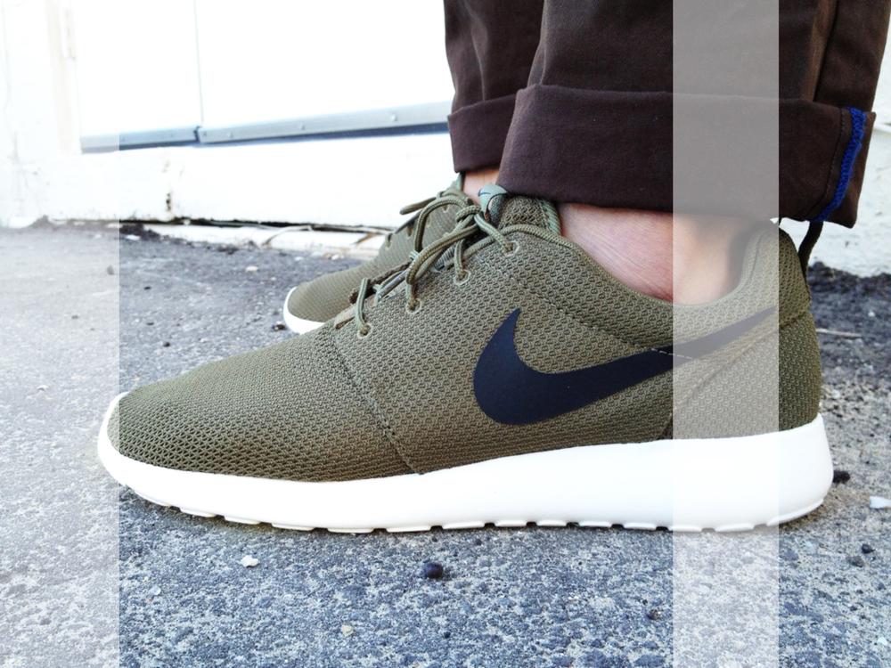 Nike Roshe Run in IGUANA