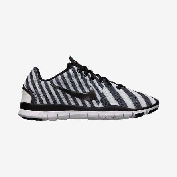 Nike-Free-TR-III-Printed-Womens-Training-Shoe-555159_006_A.jpg