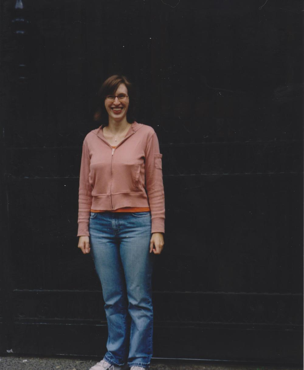 Me at the Gates of Chez Hewson, circa August 2003.
