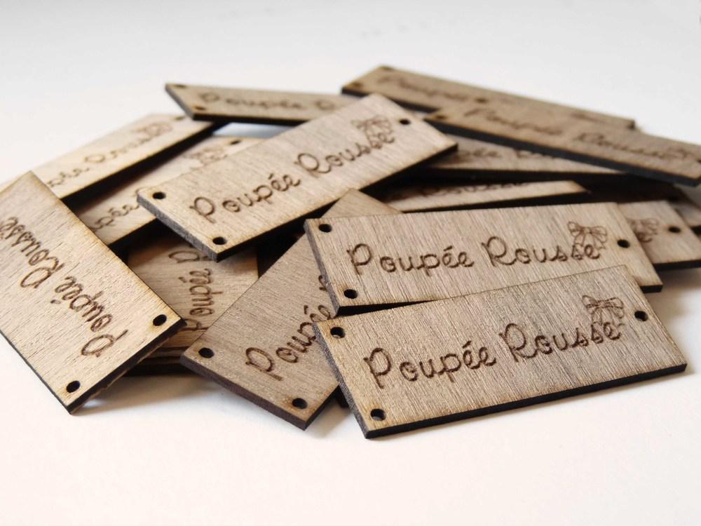 Pampille en bois avec logo gravé au laser