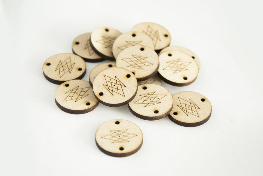 Pampille ronde - Plaque - Etiquette - Tag en bois gravé avec logo de la marque / sur-mesure
