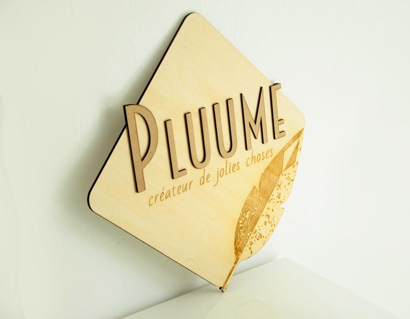 panneau - pancarte -plaque - logo -decoupé - gravé - bois -sur-mesure - marque -magasin - decoration