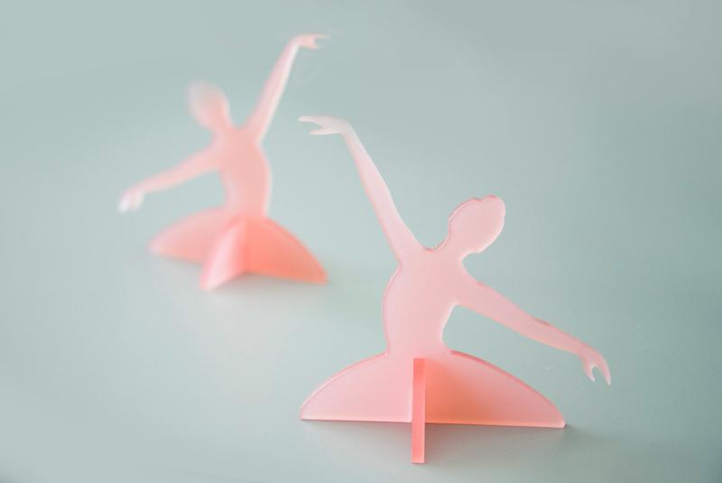 décoration table thème danseuse plexi rose
