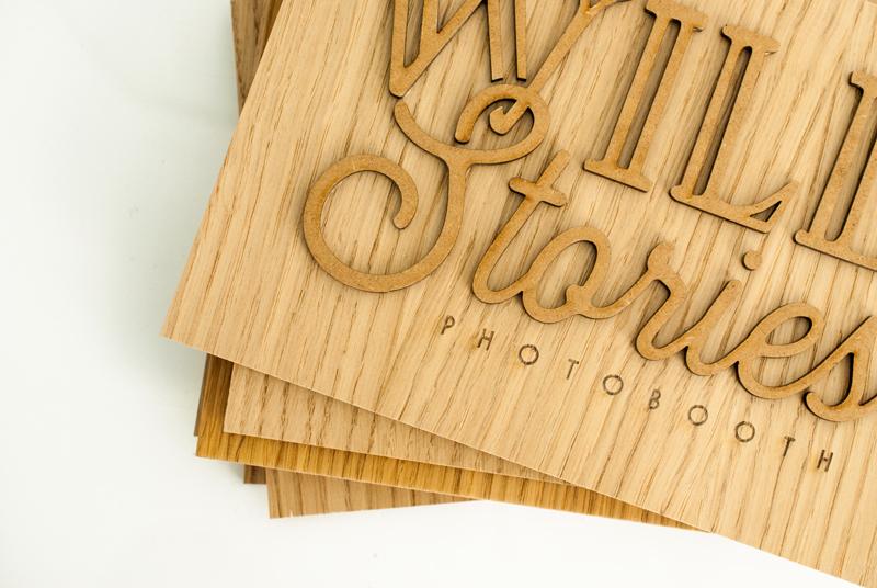 Plaque logo en bois sur-mesure