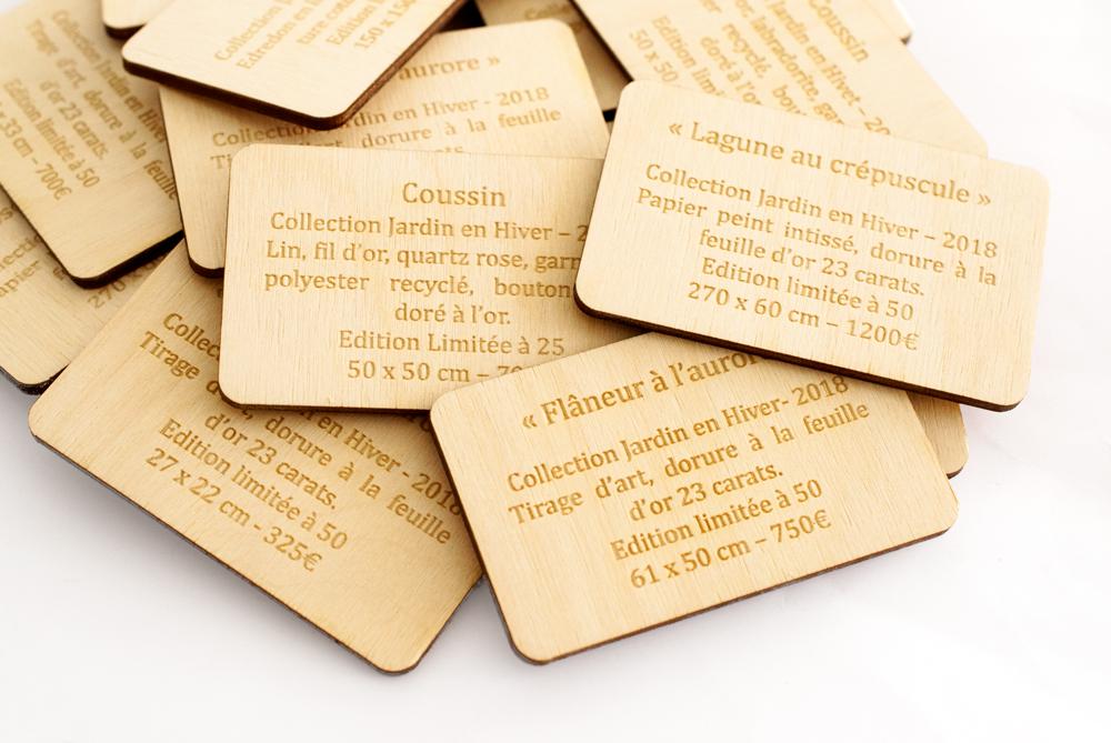 Cartel en bois gravé sur-mesure