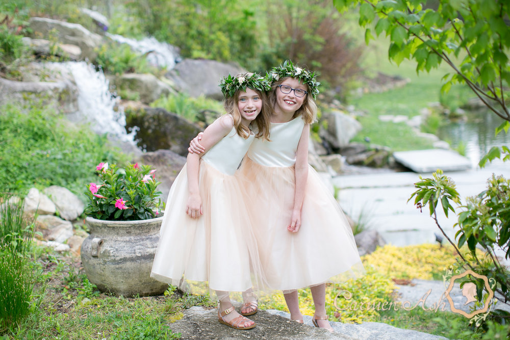 0710-Rodgers-Wedding-Carmen-Ash-vineyard.jpg