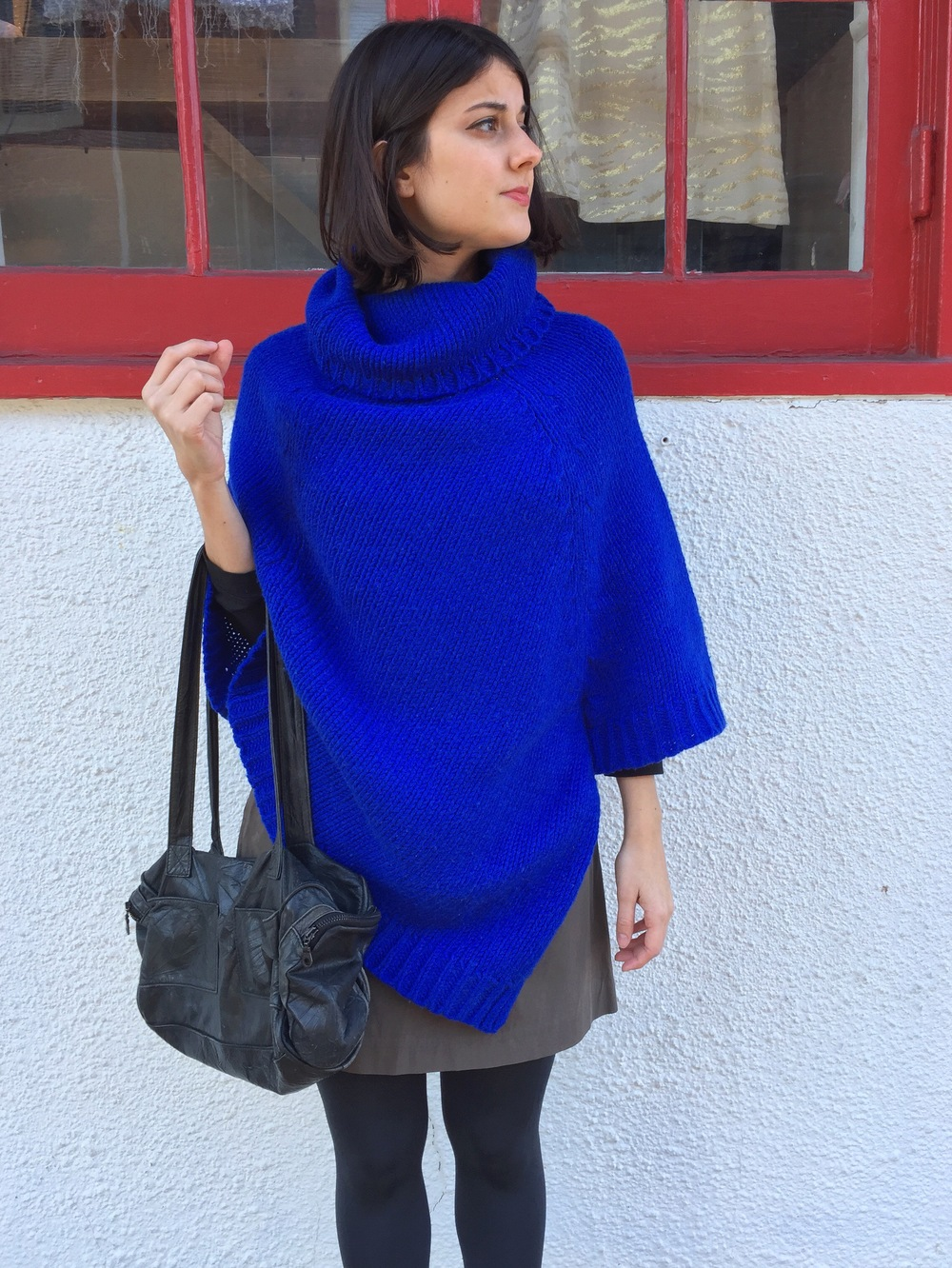 cour-carre-poncho.JPG