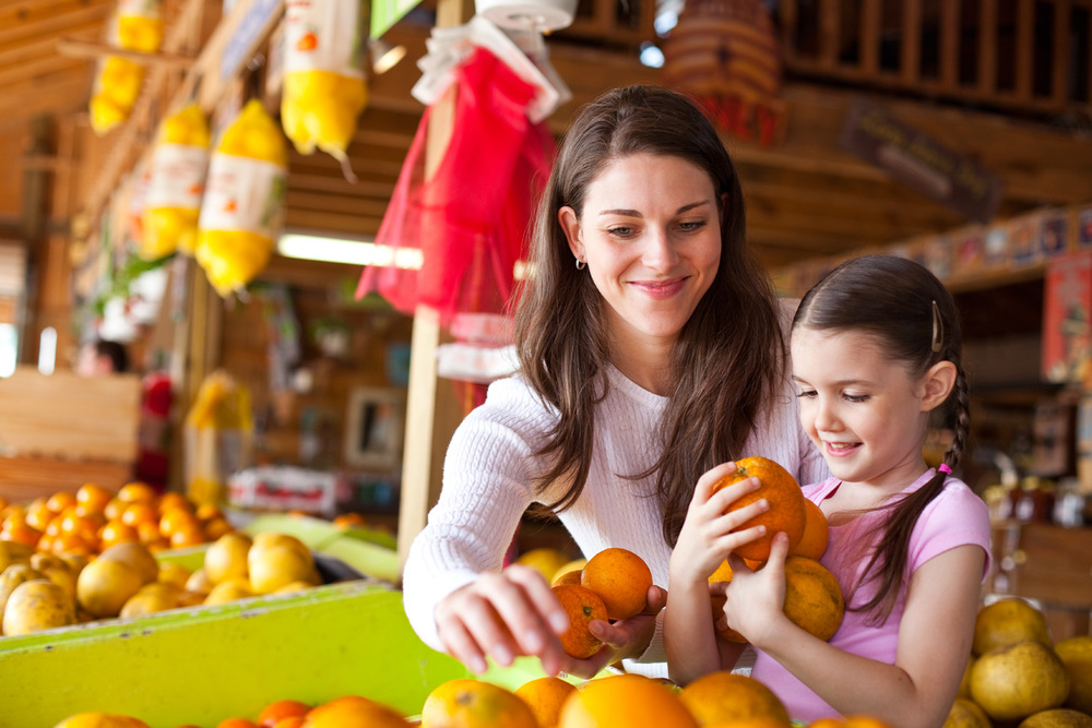 Mother_Daughter_Shopping_Fruit_Stand.jpg