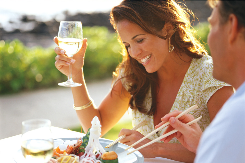 Couple_Dining_Sushi_Sheraton_Kauai.jpg