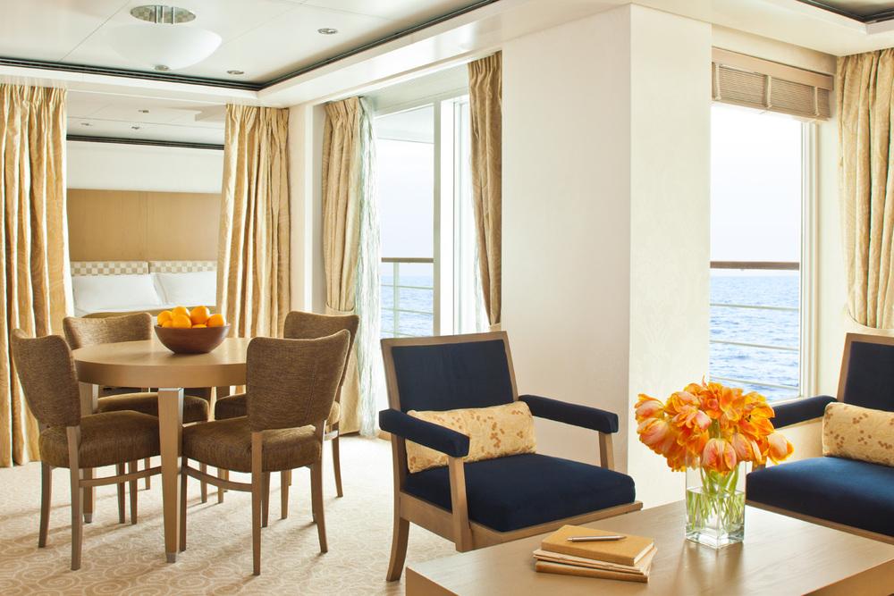 Regent_Cruise_Lines_Voyager_Suite.jpg