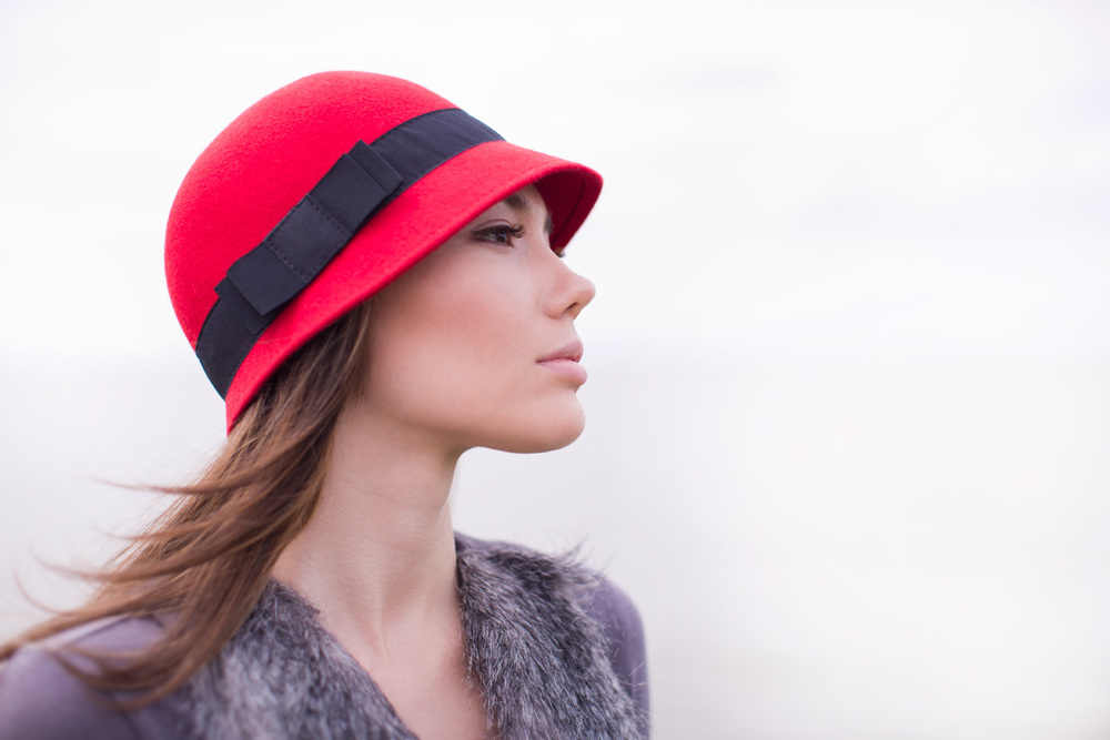 Woman_Red_Hat.jpg