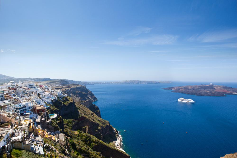 Regent_Cruise_Lines_Ship_Santorini.jpg