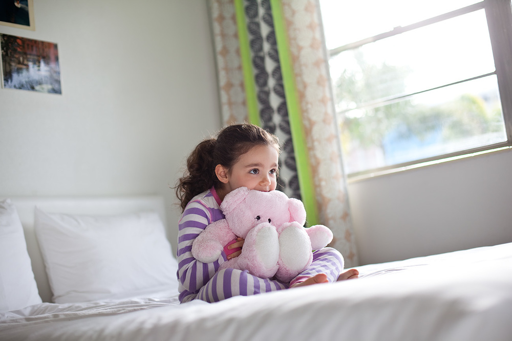 Little_Girl_Teddy_Bear.jpg
