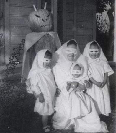 Halloween Toinette.jpg