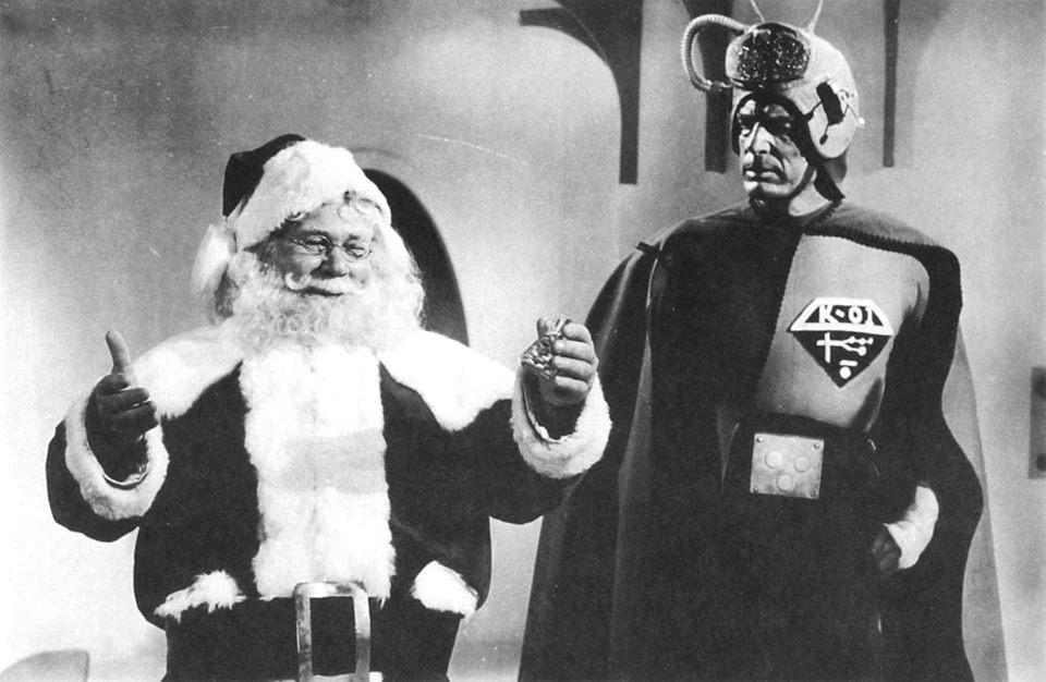 Christmas ALIENS (1172).jpg
