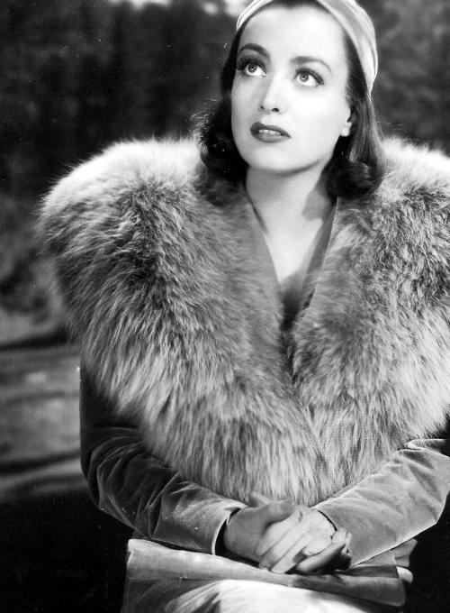 Joan Crawford Easter (441Q).jpg