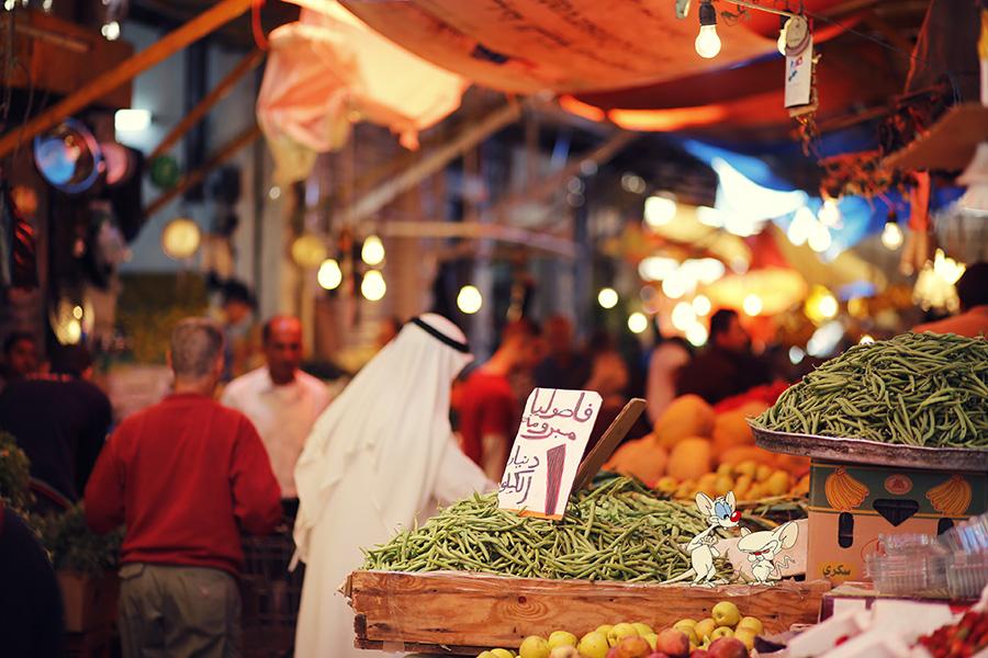 Pinky & The Brain hiding in a farmer's market in Amman