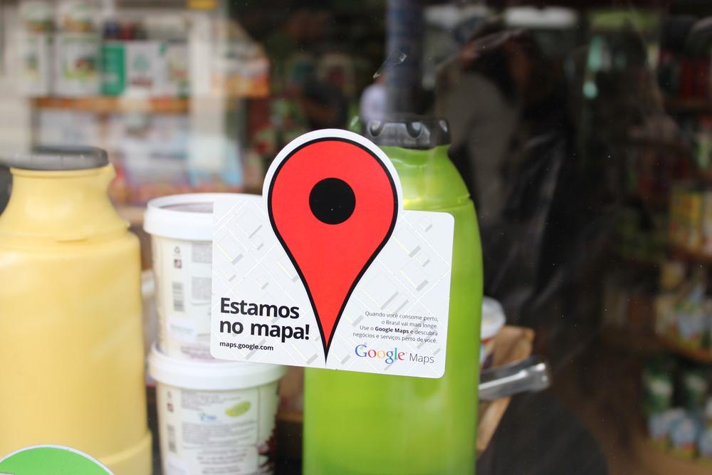 A cada dia mais as marcas e lojas querem fazer parte do mundo virtual, pertencer a tecnologia e estar conectado com os clientes. Em São Paulo, algumas lojas já podem ser encontradas no Google Map. Faz diferença? O quão importante é para uma marca/loja ou empresa ser conhecida virtualmente?
