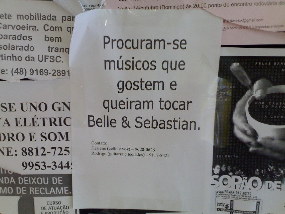 Procuram-se músicos que gostem e queiram tocar Belle & Sebastian. É proibido gostar de alguma outra banda? Existem bandas que só tocam músicas covers de uma banda só?