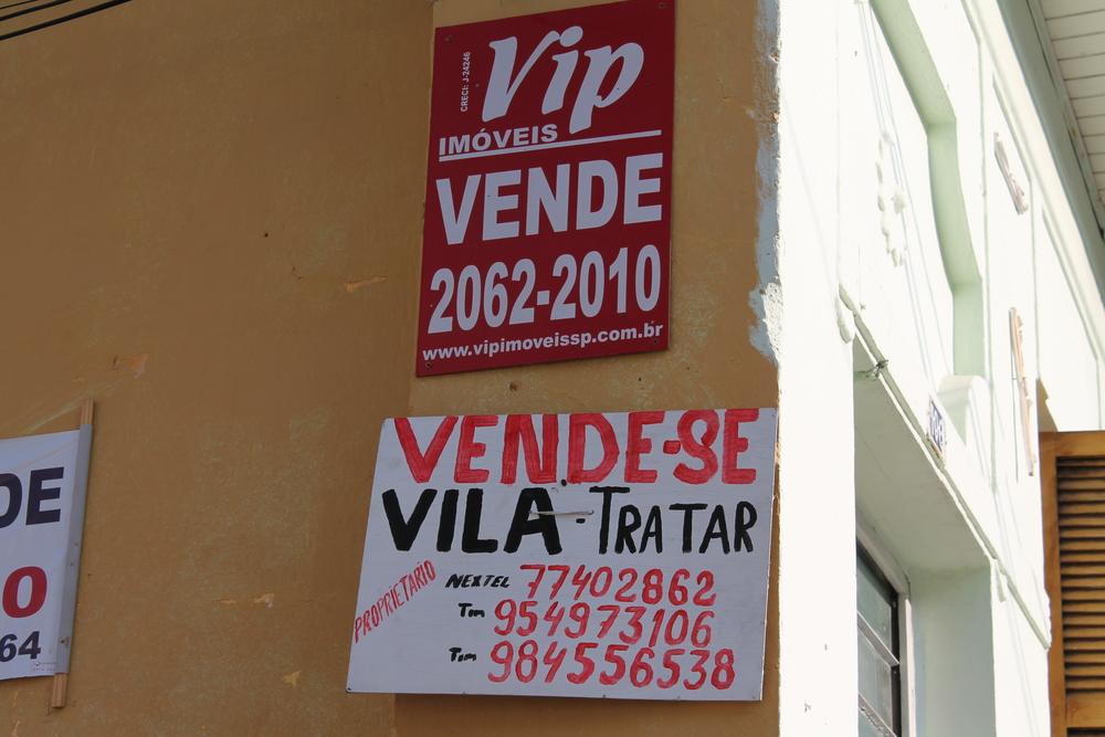 Na Mooca, vende-se a vila inteira. Interessados?