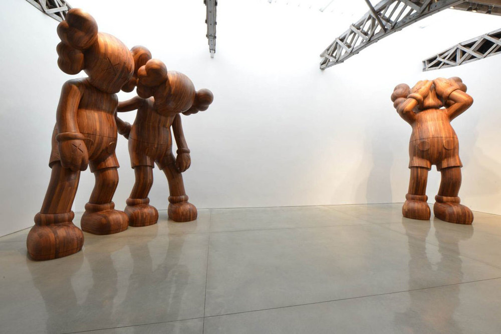 KAWS_Companion_sculptures_2.jpg