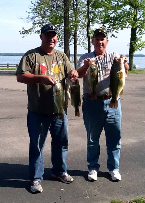 Barry Gunn and Tim Handy Second Place and Big Fish 15.11 lbs and 6.72 lbs
