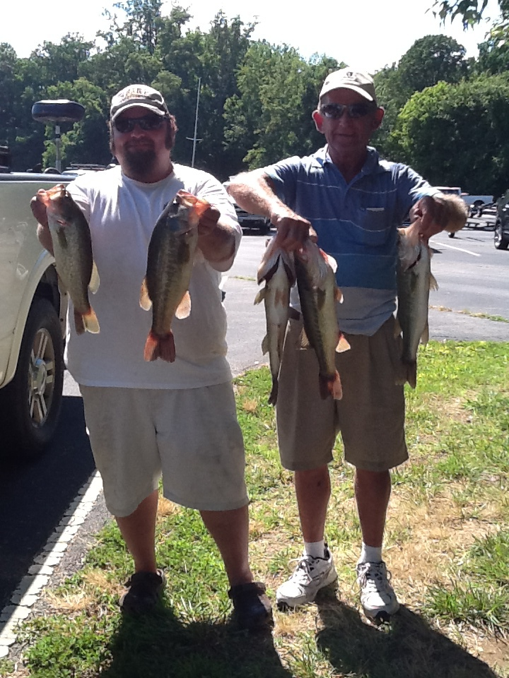 Joey and Bobby Lineweaver Third Place 12.32 lbs